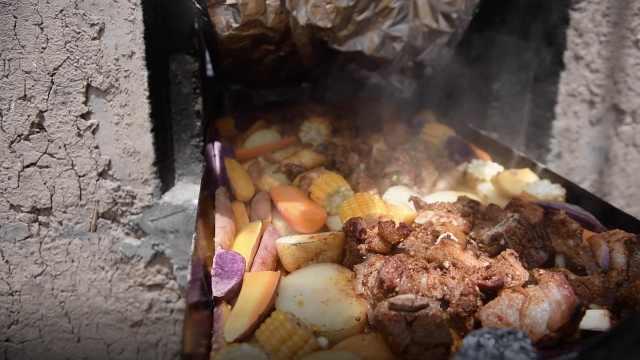 混搭火窑烧烤,一口苹果吃出3种肉味