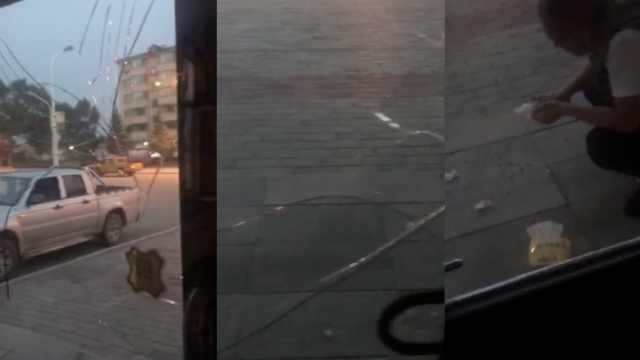摩托被扣,男子带朋友砸交警队玻璃