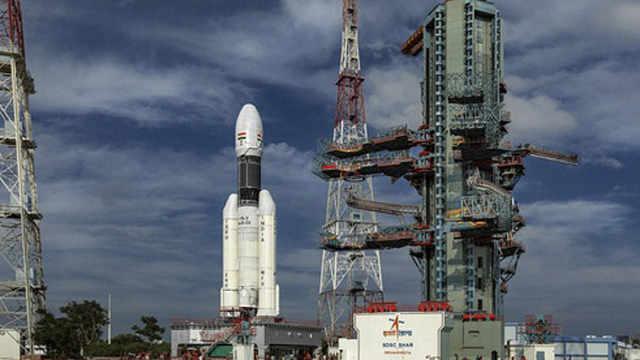 印度登月火箭发射前56分钟突被叫停