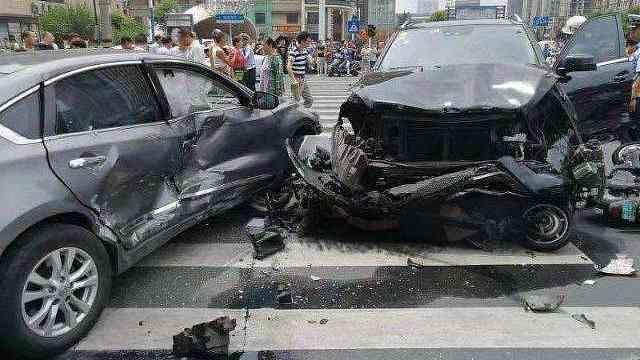 常州车祸,假使有驾驶辅助也不安全