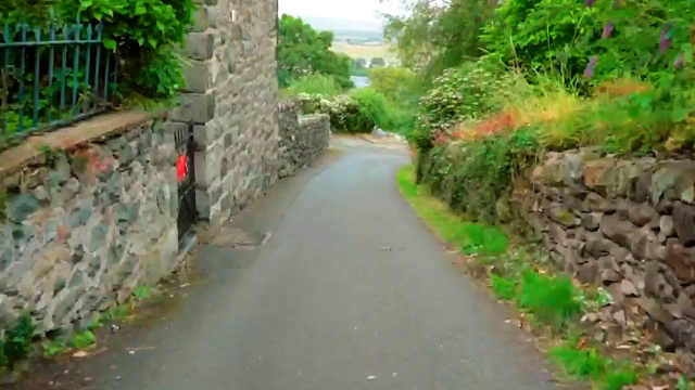 世界最陡街道在英国威尔士小镇