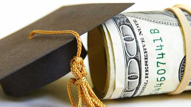 调查:超六成美国父母担忧大学学费