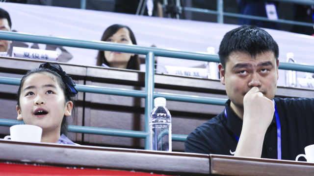 姚明女儿参加篮球赛,全民热议