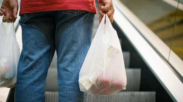 超市每年分发180亿美元的塑料袋