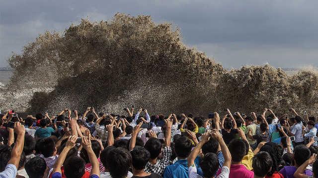 直播:雷霆之势!钱塘江潮今年更壮观