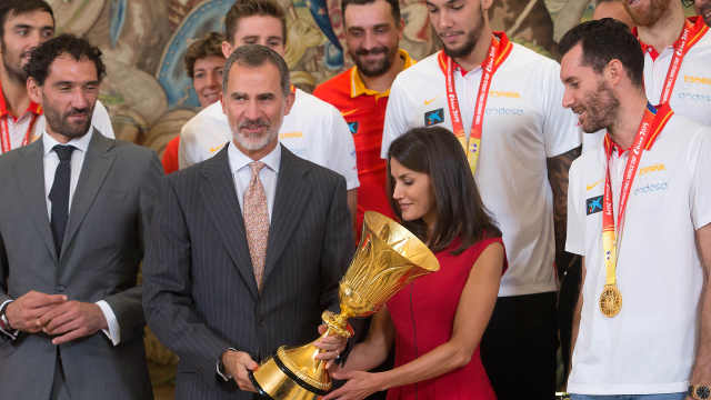 西班牙男篮凯旋,接受国王总理接见
