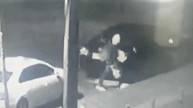 无业男盗砸100辆车:媳妇离婚要2万