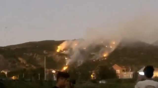 花果山过火面积约10亩:无人员伤亡