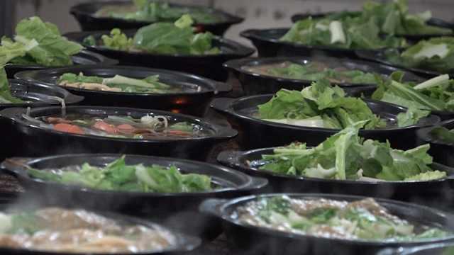大学食堂里的良心美食:黄焖鸡米饭
