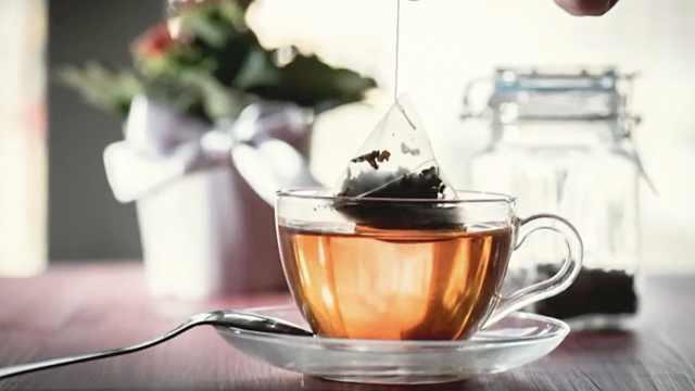 研究:茶包高温下释放百亿塑料颗粒