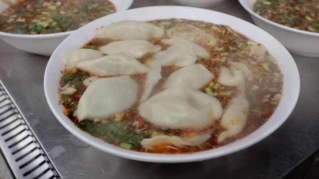 杂拌饺子馆:一碗可以吃出6种馅