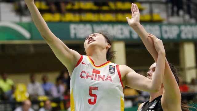 中国女篮大胜韩国,4战全胜进决赛