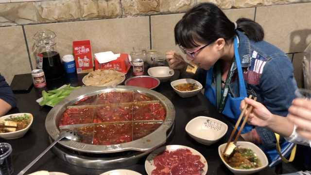游客重慶火鍋當早餐,早10點就排隊