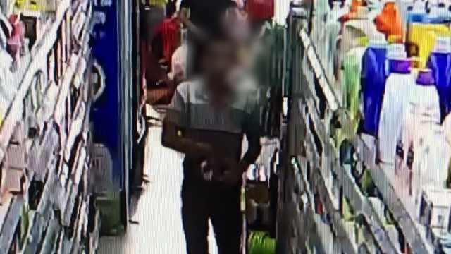 两男子连续4天偷同一店铺,全程被拍