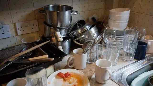 """4小时不洗碗等于吃""""毒"""""""