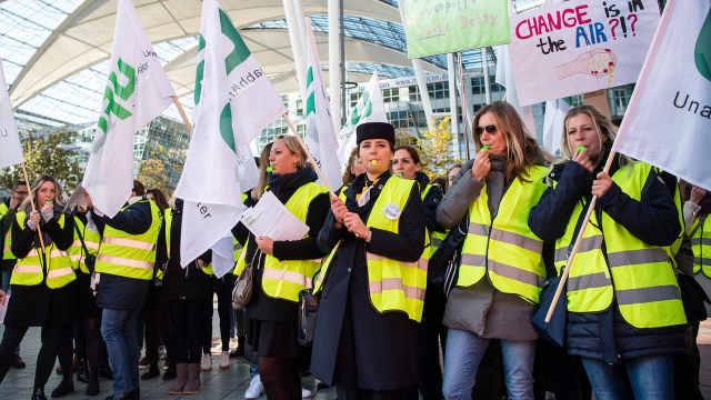 汉莎航空空姐罢工取消1300个航班