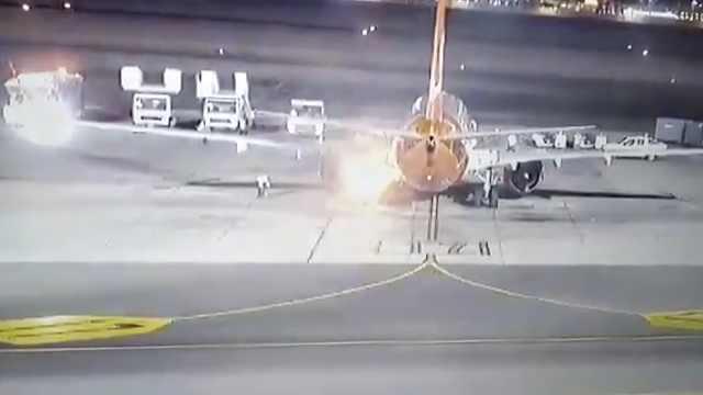 一波音737客机埃及机场着陆后起火