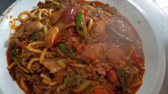 牛犊肉切片2毫米,八字炒法汁稠汤浓