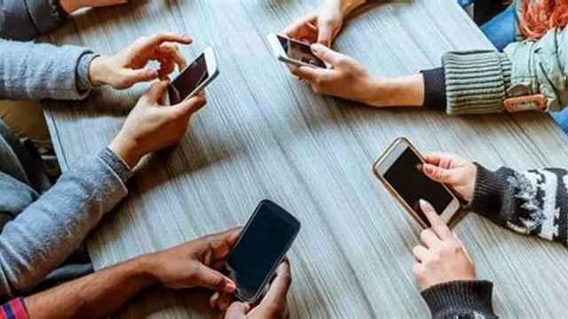 四分之一年轻人有手机瘾,影响健康
