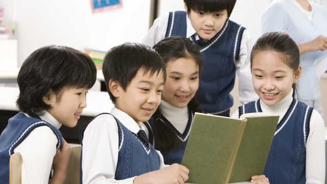 近七成中小学生每天阅读少于1小时