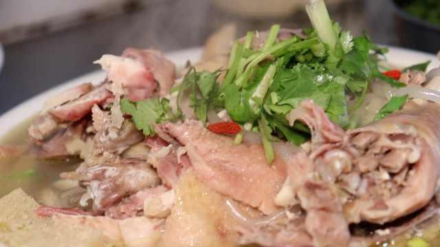 鲜鸡汤!清炖农家土鸡,清淡有营养