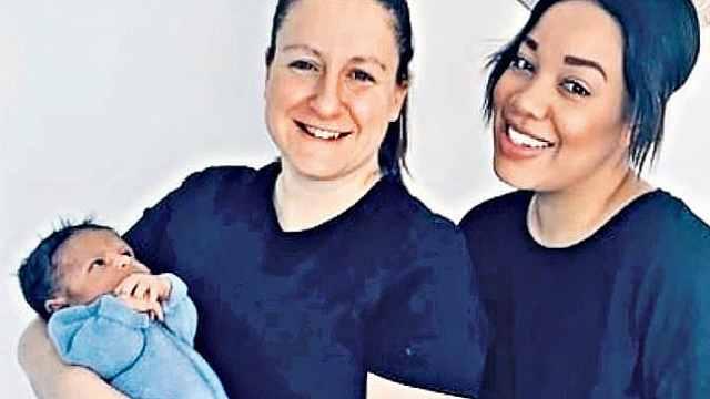 全球首例共享母亲:两个子宫共孕