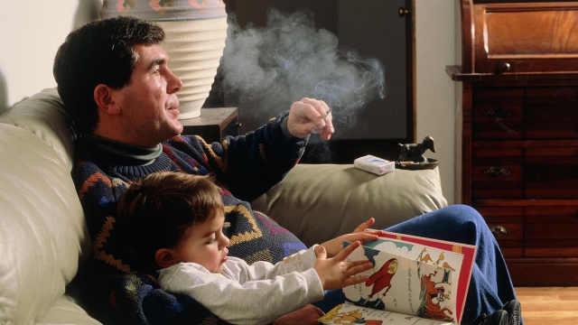 每年约120万不吸烟者死于二手烟