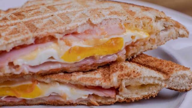 1分钟搞定高颜值早餐三明治