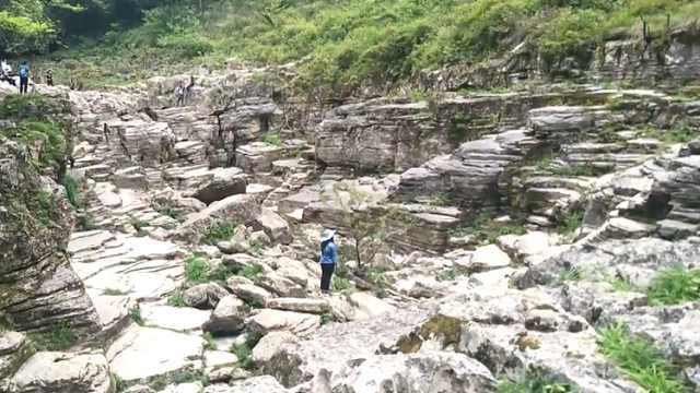 徒步清江古河床,欣赏秀美峡谷风景