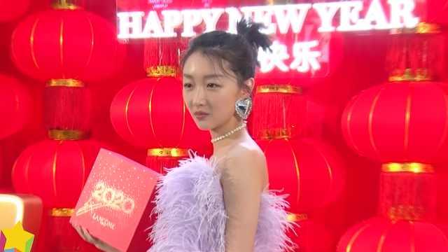 周冬雨春节拍戏,袁姗姗挑战老板娘