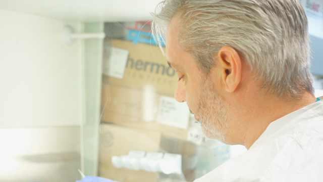 英国专家:新冠肺炎治愈后应能免疫