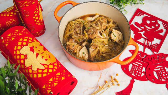 东北味道,好吃又简单的酸菜炖大骨