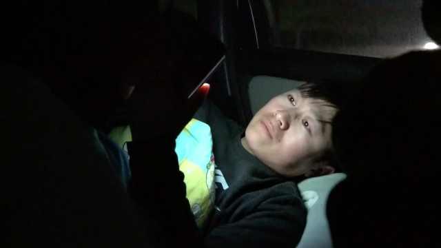 骑手小哥连续9天睡车里自我隔离