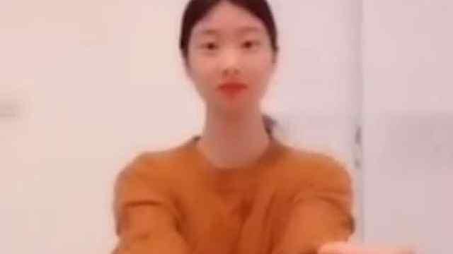 平职学院:用舞蹈为中国加油