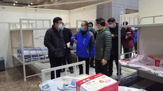 武汉平均每天建成一座方舱医院!
