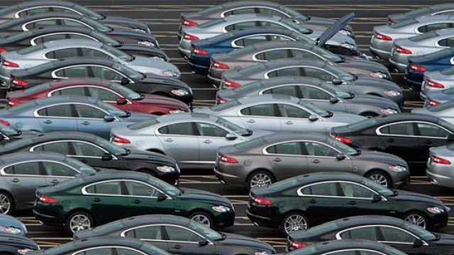 崔东树:汽车2月销量下滑超80%