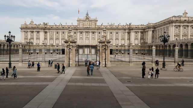 确诊病例欧洲第二!西班牙封锁4座小镇,全国学校关闭两周