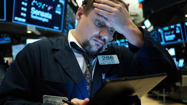 特朗普称美国经济可能走向衰退,疫情有可能到8月后才结束