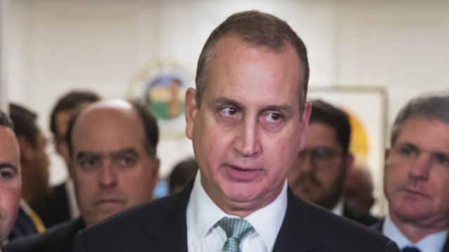 美国首位国会议员确诊新冠肺炎,恐引发又一轮议员隔离潮