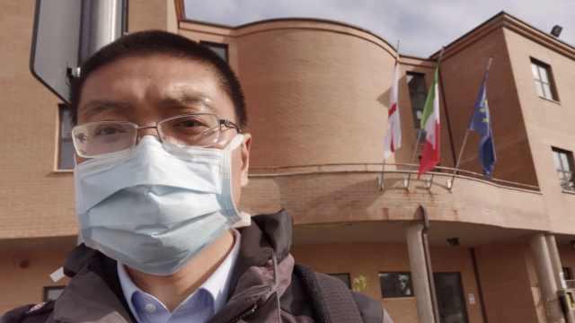 """中国医生留在意大利参加抗""""疫"""":街上仍有80%的人不戴口罩"""