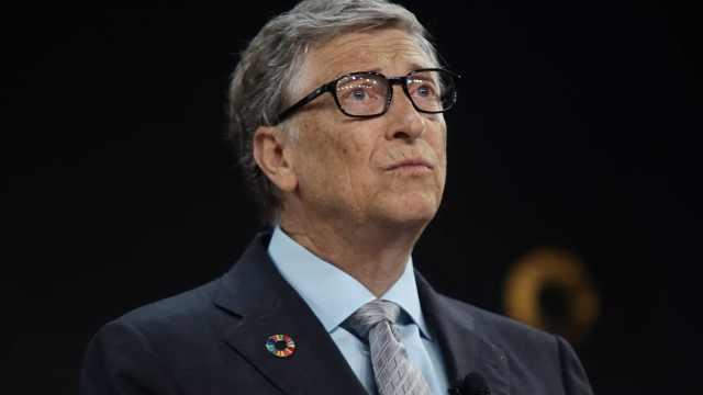 盖茨称新冠疫情对经济冲击活久见,宁愿牺牲经济也要守护生命