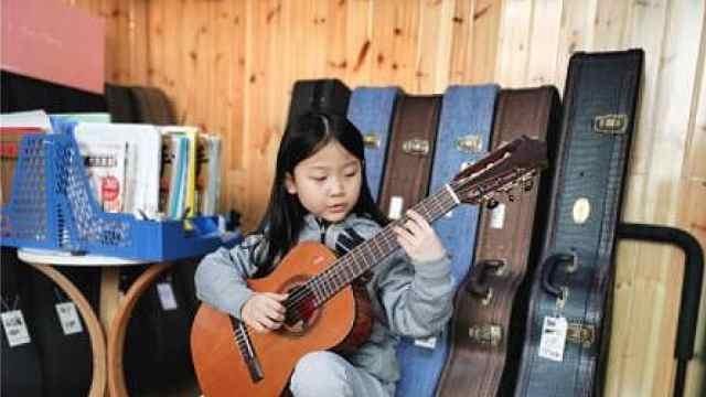 心都化了!南京6岁女孩吉他弹唱视频圈粉无数