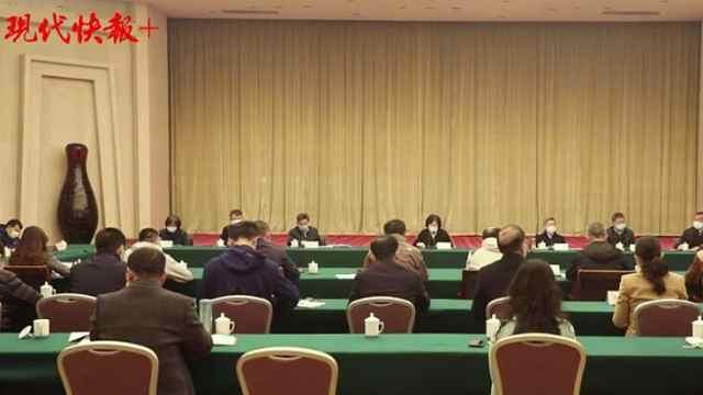 中央指导组与抗疫一线记者座谈:你们是战士