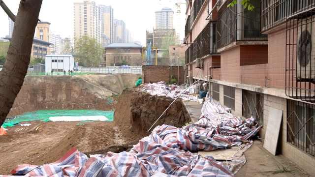 西安一工地私自动工致小区地基坍塌,49户业主连夜撤离