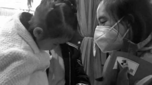 医护援鄂68天后回家,2岁女儿倔强扭头,假装不认妈妈
