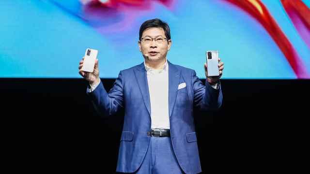 华为P40系列国内价格4188元起,全球最大旗舰店6月上海开业