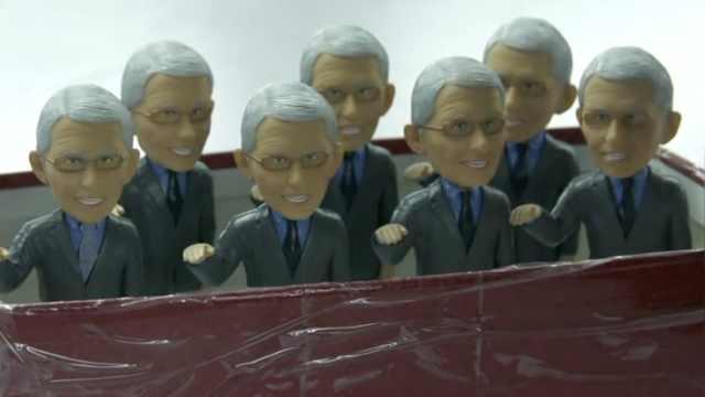 获大量海外订单,中国工厂加紧生产福奇玩偶,盈利用于买口罩