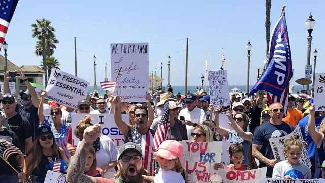 加州千人抗议要求开放沙滩和街道:在外面晒太阳更健康