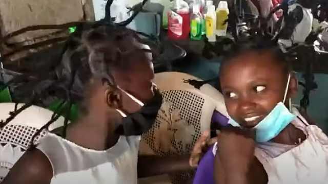 肯尼亚流行新冠病毒发型,理发店:生活艰难,病毒真的存在