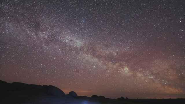 新疆吉木乃县的一片星空